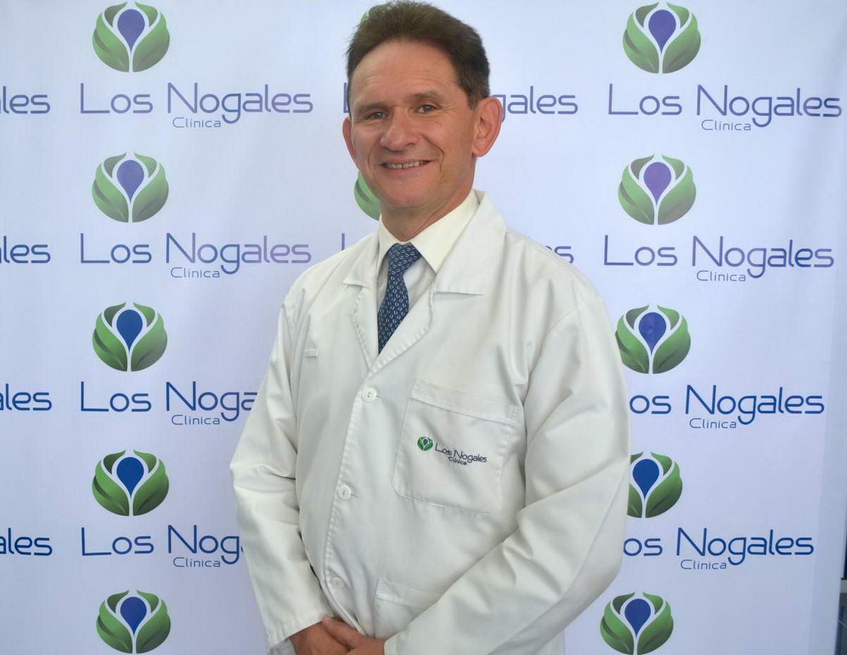 Dr. Manuel Lievano